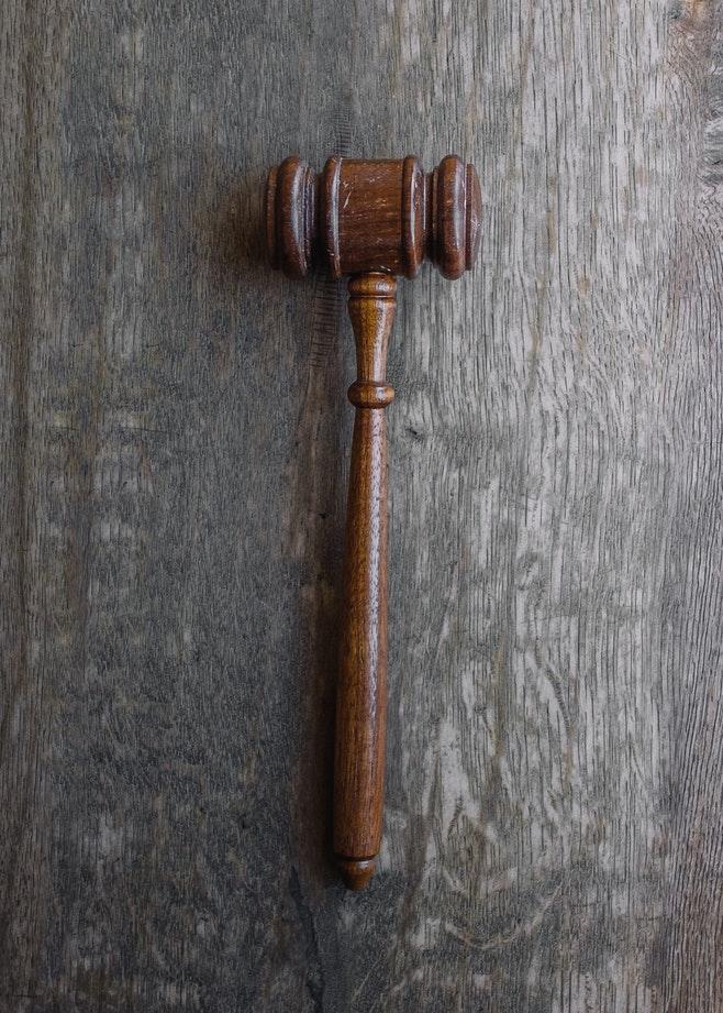 Le maillet utilisé par les juges