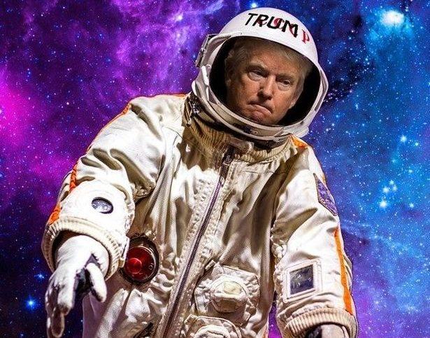 Donald Trump habillé en cosmonaute dans un montage photo