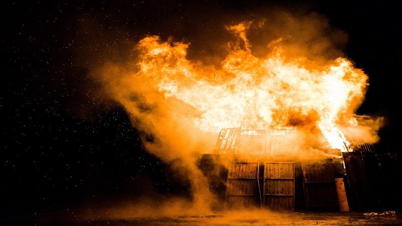 Nantes : la cité s'enflamme