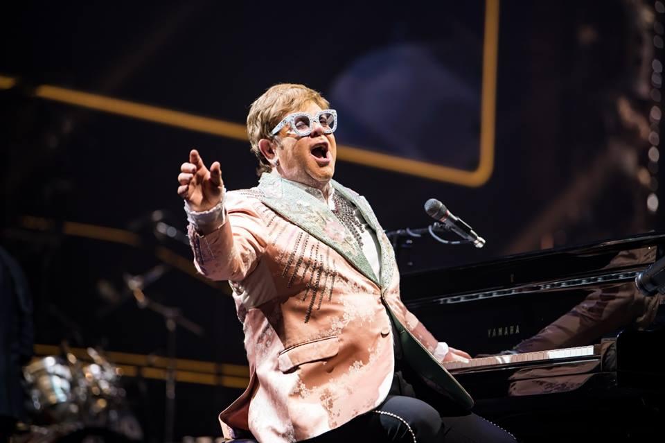 Homosexualité : Elton John soutient l'appel de Clooney au boycott des hôtels du sultan de Brunei