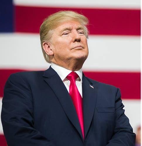 Donald Trump pronconçant un discours en juillet 2018