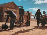 Sur le lieu de tournage d'un film western.