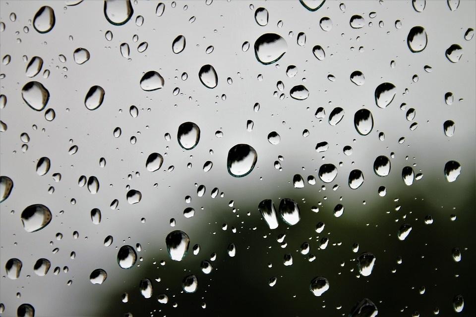 Nouvelle source d'énergie renouvelable : la pluie
