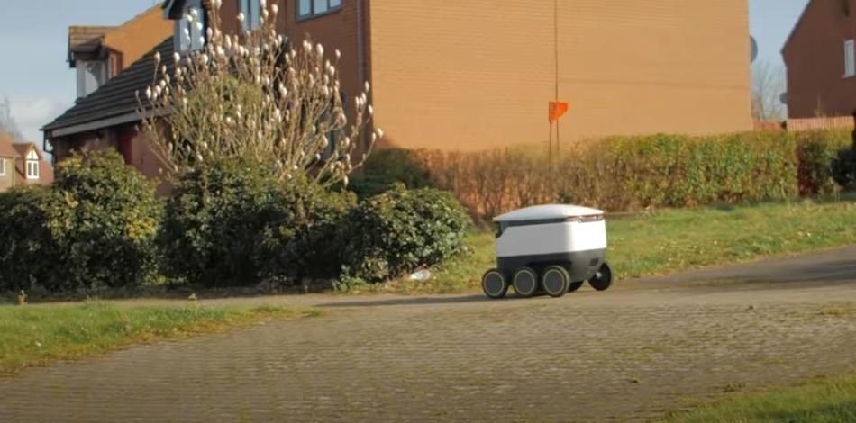 Au Royaume-Uni, des robots livrent de la nourriture à la population confinée