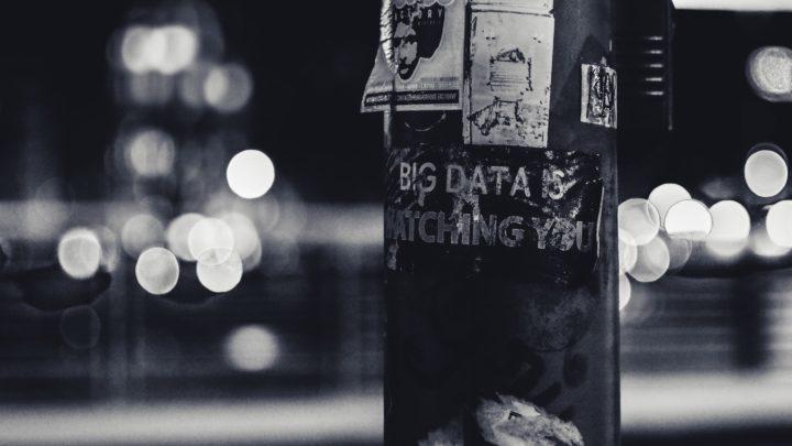 Comment le capitalisme de surveillance opère sur Facebook