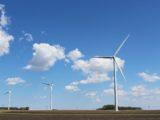 Un parc éolien terrestre.