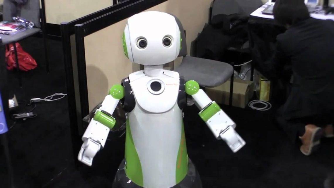 Robovie : un robot contrôlant le port du masque au Japon