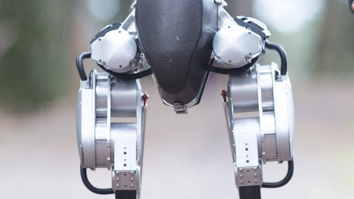 Le robot Cassie et l'apprentissage renforcé de la marche