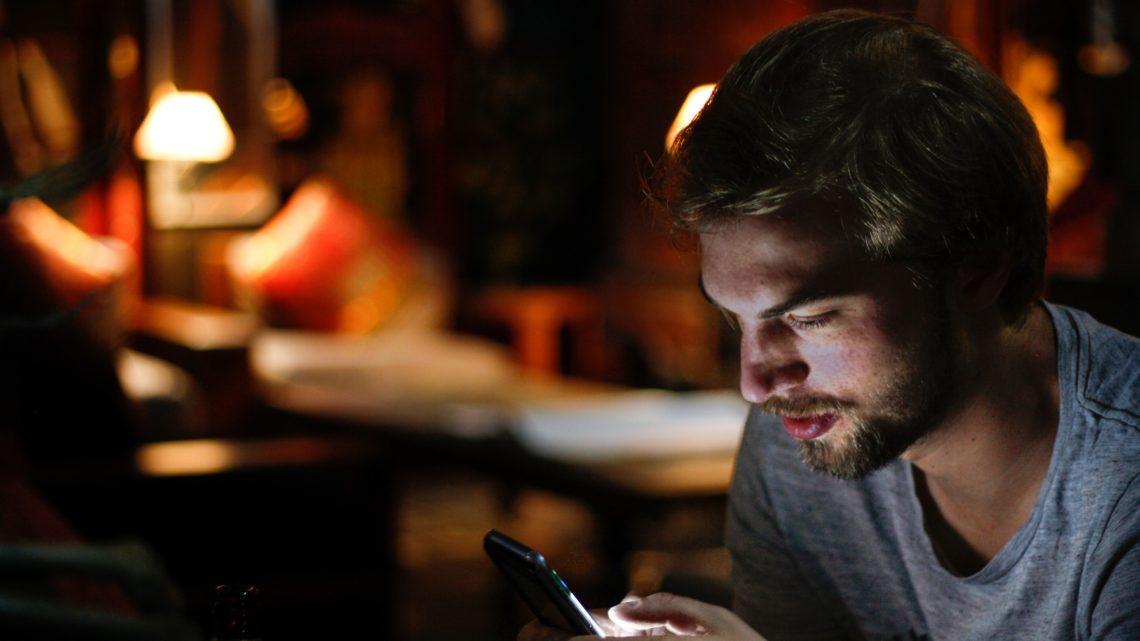 """Paroles d'anthropologues : """"Le smartphone est devenu notre maison"""""""