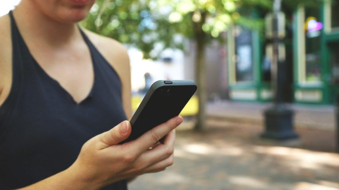La fracture numérique entre les sexes reste importante dans le monde